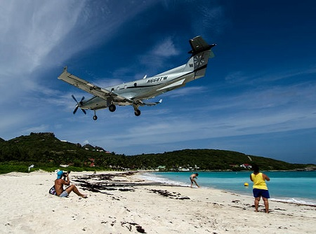 Pilatus 12 coming for landing over St. Jean Beach St. Barths