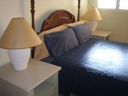 Pelican Key Apartment bedroom