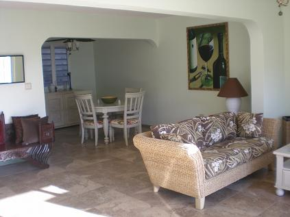Pelican Key Apartment livingroom area