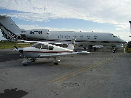 Piper Cherokee available for air flight instruction in St. Maarten